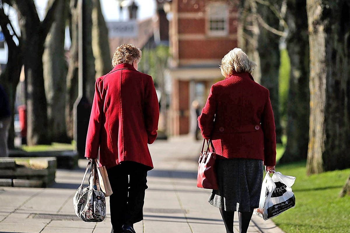 El ISSN paga a jubilados la suma adicional