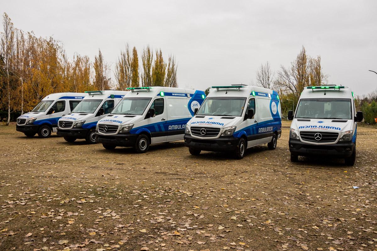 Cinco ambulancias nuevas para el ISSN.