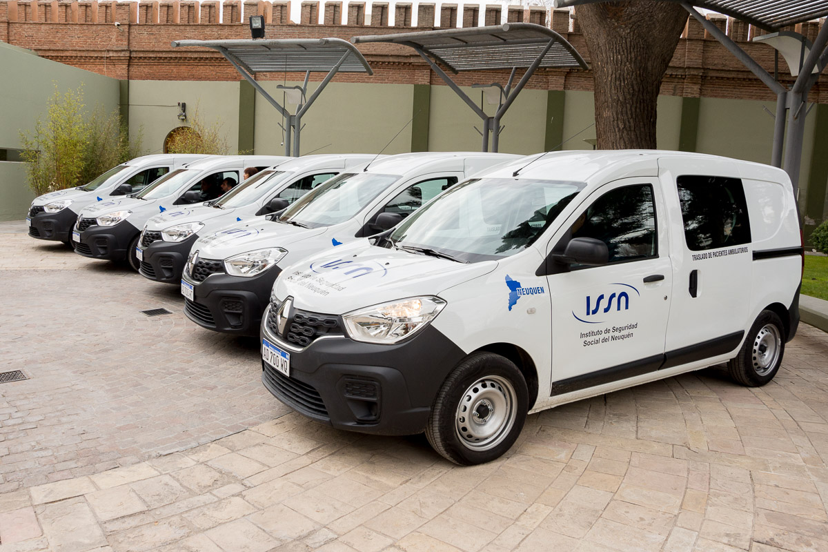 Cinco vehículos nuevos para el ISSN
